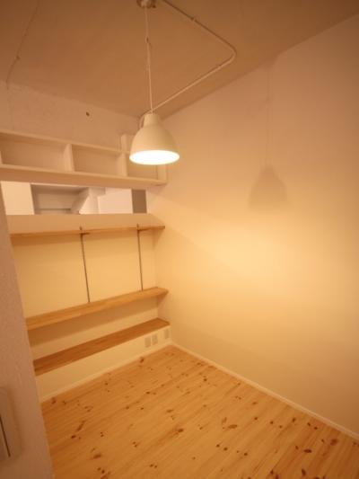 ベッドスペース (ANP~ラフな白ブリックタイルも~)