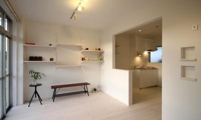 @ajito~白い壁と白い床~