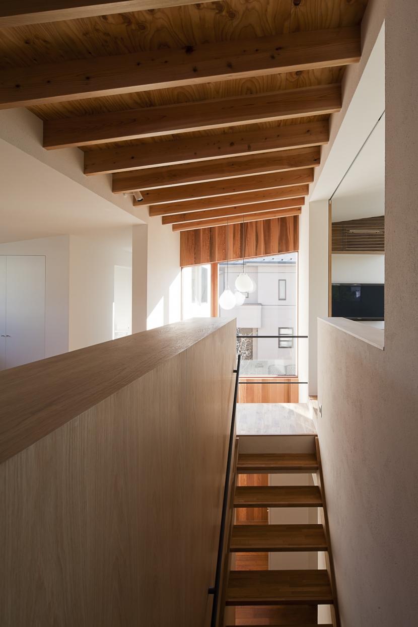 対のいえの部屋 階段2