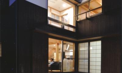 夏涼しく、冬暖かい環境共生住宅 (コーナー型デッキ)