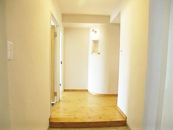フレンチカントリーの家 (玄関)