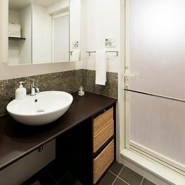 LDKと一体感のある畳スペース (洗面所)