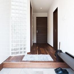 モダンデザインハウス (玄関)