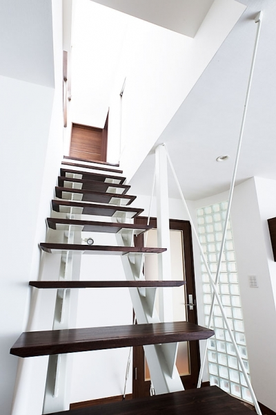 階段 (モダンデザインハウス)