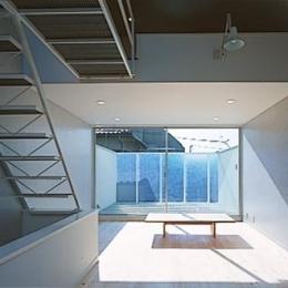 K house-1 (居間とデッキ)