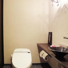 case100・リノベーションで手にいれた、ホテルライクな暮らし。 (トイレ)