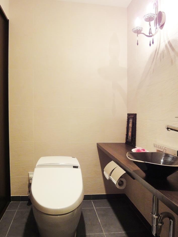 case100・リノベーションで手にいれた、ホテルライクな暮らし。の部屋 トイレ