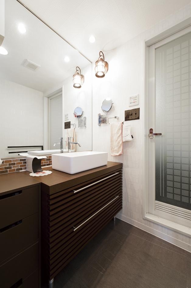 case114・地中海リゾートが漂う漆喰塗り壁の住まい。の部屋 洗面所