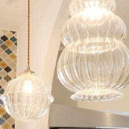 case114・地中海リゾートが漂う漆喰塗り壁の住まい。 (ランプ)