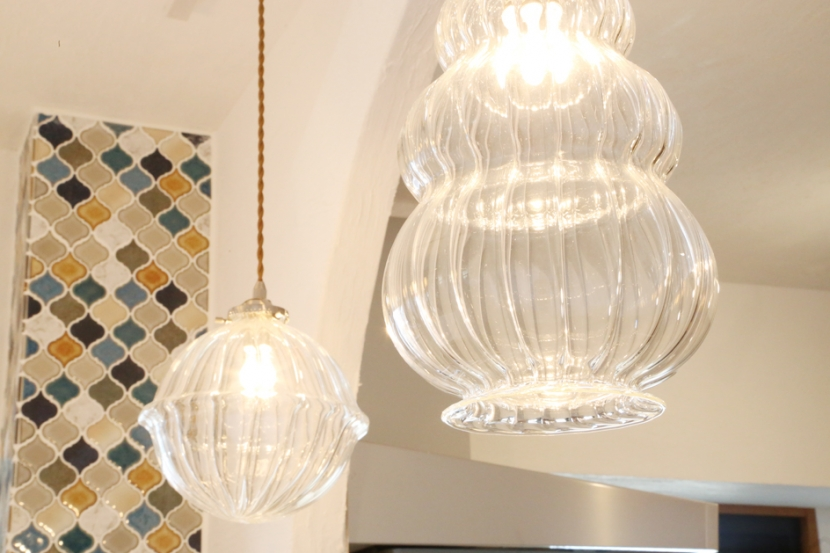 case114・地中海リゾートが漂う漆喰塗り壁の住まい。の部屋 ランプ