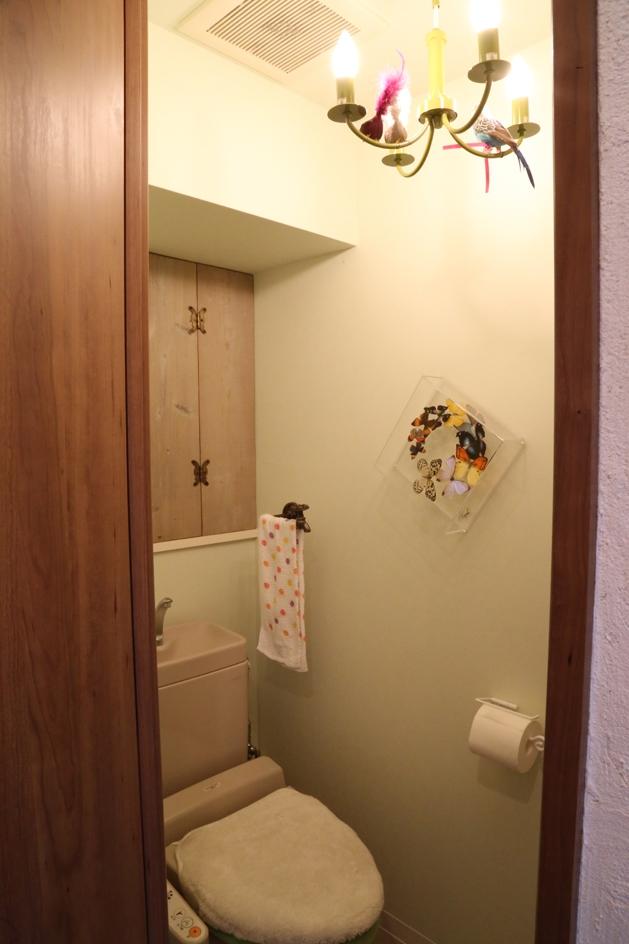 case114・地中海リゾートが漂う漆喰塗り壁の住まい。 (トイレ)