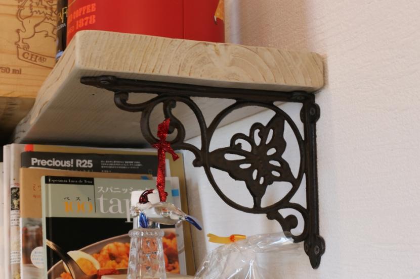 case114・地中海リゾートが漂う漆喰塗り壁の住まい。の部屋 棚