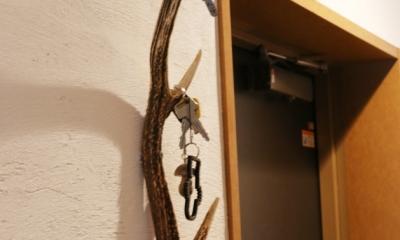 case114・地中海リゾートが漂う漆喰塗り壁の住まい。 (玄関キーホルダー)