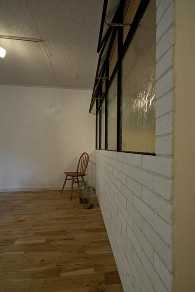 兵庫県O邸の部屋 書斎壁