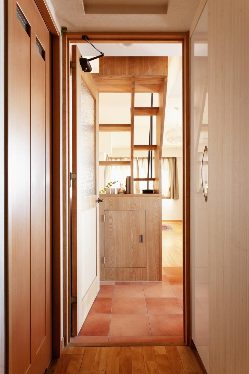 K邸・こだわりの家具と一緒に楽しむ住まい (廊下)