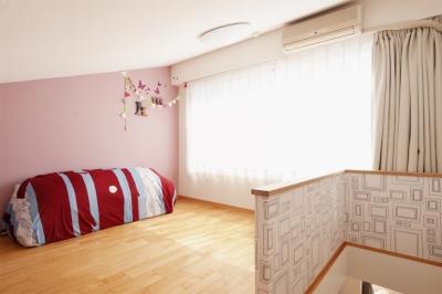 ロフト部分(寝室兼プレイルーム) (K邸・こだわりの家具と一緒に楽しむ住まい)