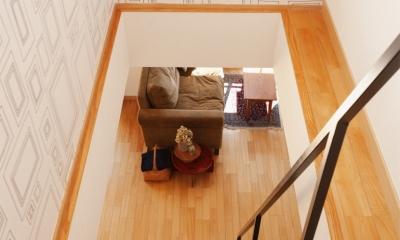 K邸・こだわりの家具と一緒に楽しむ住まい (ロフト階段)