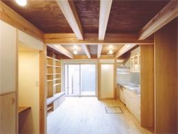 京町家の再生 (ワンルームのリビング・キッチン)