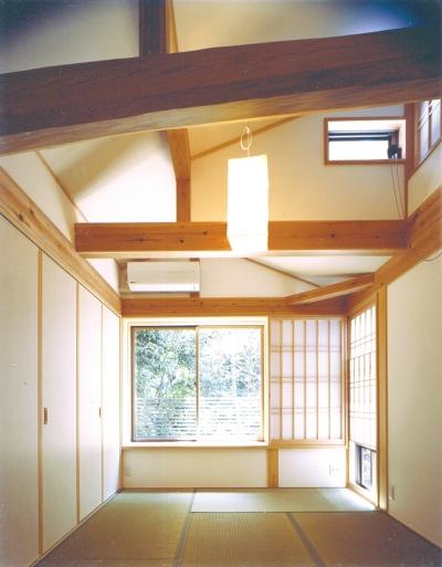 2階和室 (ベンガラ格子のある家)