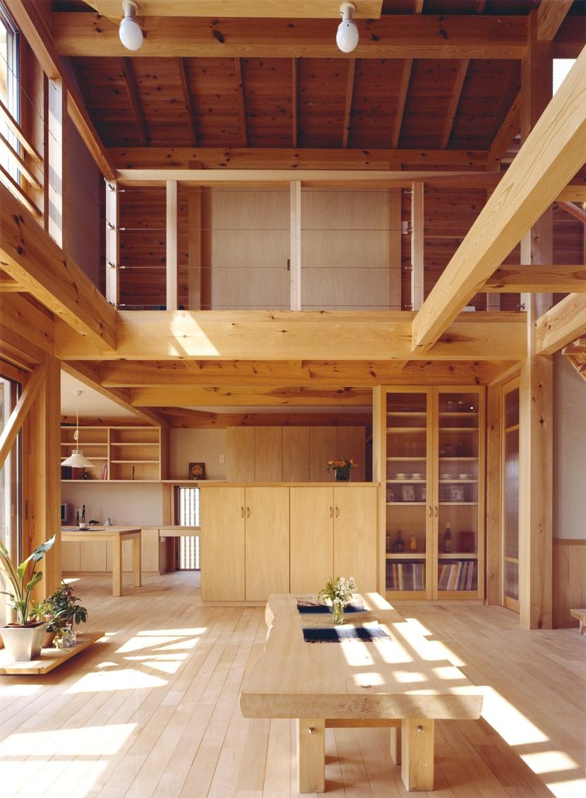 建築家:川口成人「小屋裏までの大空間「ひばの森」」