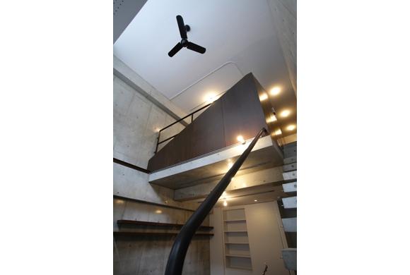 建築家:奥村理絵「吹き抜けでつながる立体ワンルームの家 mm邸」