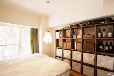 ベッドルーム (O邸・演奏会のできる広々リビング)
