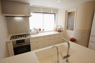 キッチン (U邸・南欧の田舎家にあこがれてゆったり暮らす)