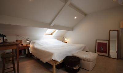 U邸・南欧の田舎家にあこがれてゆったり暮らす (寝室)