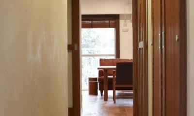 T邸・南の風が吹き抜けるカフェリゾート空間 (廊下)