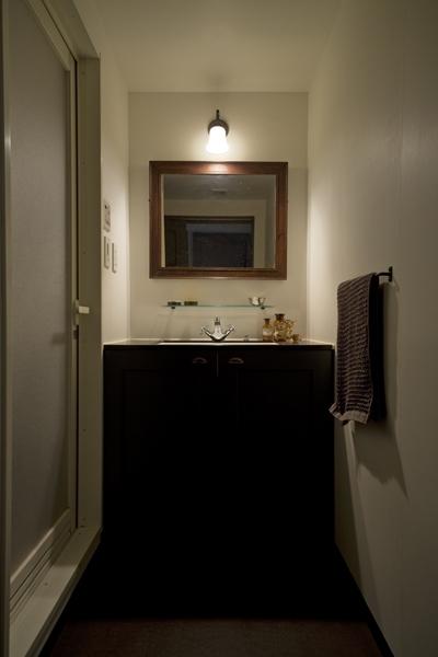 兵庫県T邸-大人のヨーロピアンスタイル-の写真 洗面台
