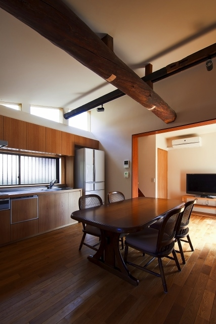 伝統構法を生かした美しい耐震改修の部屋 キッチン