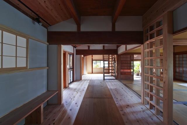 伝統構法を生かした美しい耐震改修の部屋 民家の改修