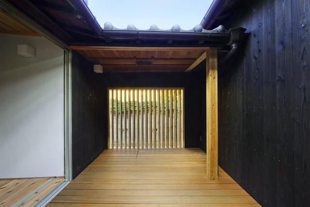 伝統構法を生かした美しい耐震改修の写真 中庭