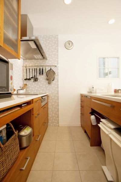 キッチン (O様邸・楽しくコンパクトに二世帯で暮らすための家)