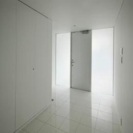 横浜のコートハウス (玄関)