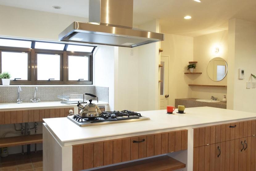 N邸・こだわりのシンプルナチュラル空間の部屋 キッチン