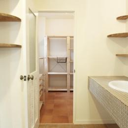 N邸・こだわりのシンプルナチュラル空間 (2F・キッチン横)