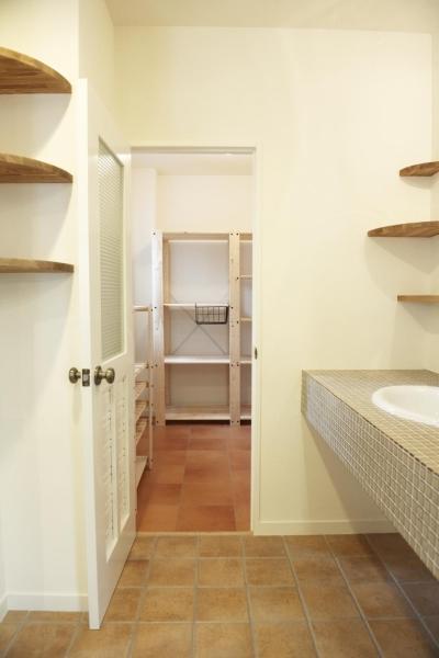 2F・キッチン横 (N邸・こだわりのシンプルナチュラル空間)
