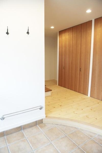 玄関2 (N邸・こだわりのシンプルナチュラル空間)