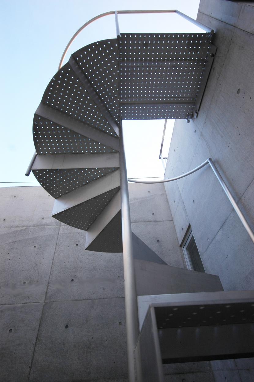 建築家:相坂研介「横浜のコートハウス」