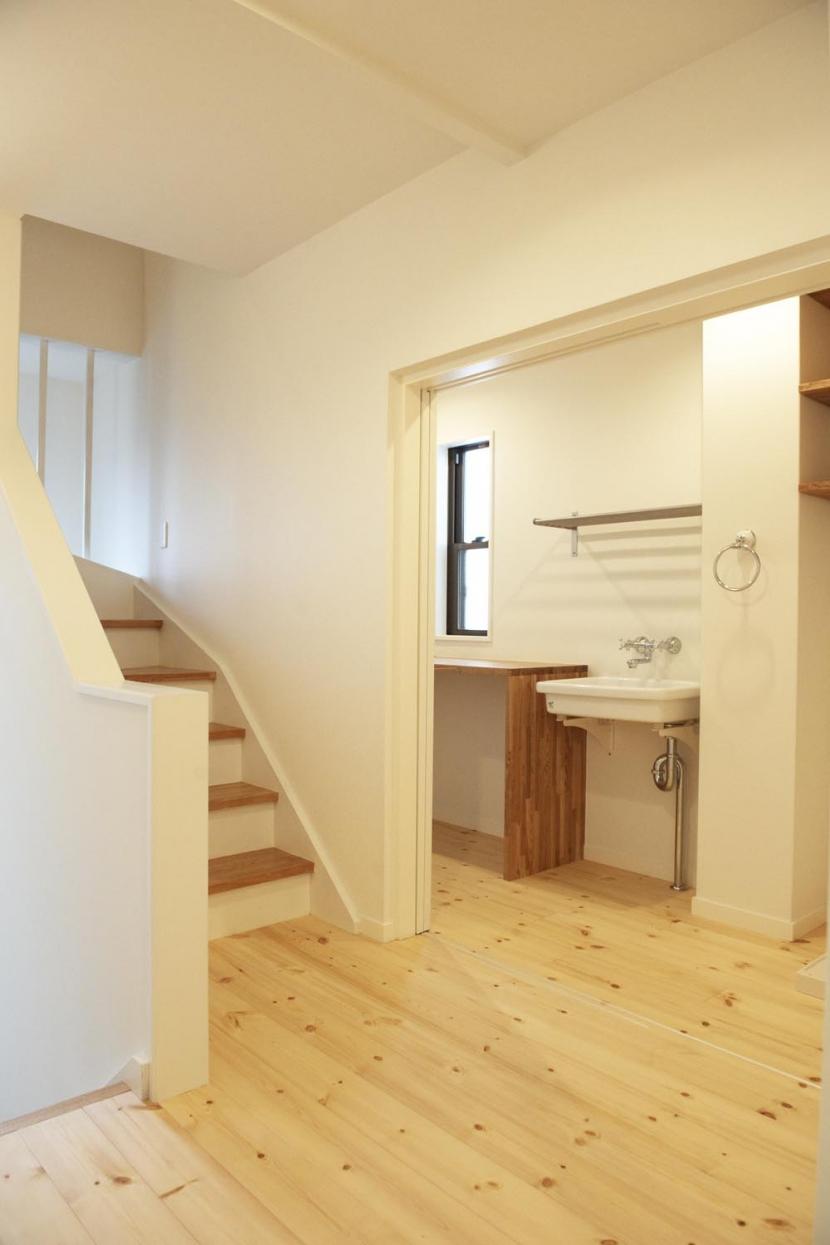N邸・こだわりのシンプルナチュラル空間の部屋 3F・階段踊り場