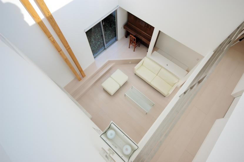 宮坂の住宅の部屋 リビング見下ろし