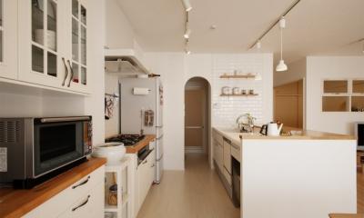 SU邸・明るくさわやかに ここから始まる2人の暮らし (キッチン2)