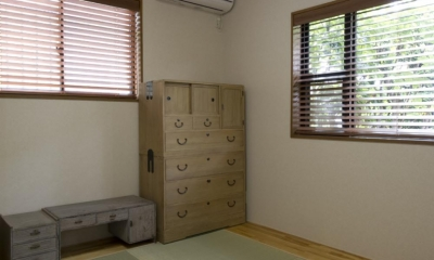 T邸・オリジナルキッチンと家具で光と風が遊ぶ憧れのリビング (和室)
