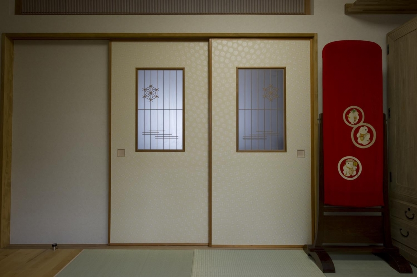 T邸・オリジナルキッチンと家具で光と風が遊ぶ憧れのリビング (和室2)