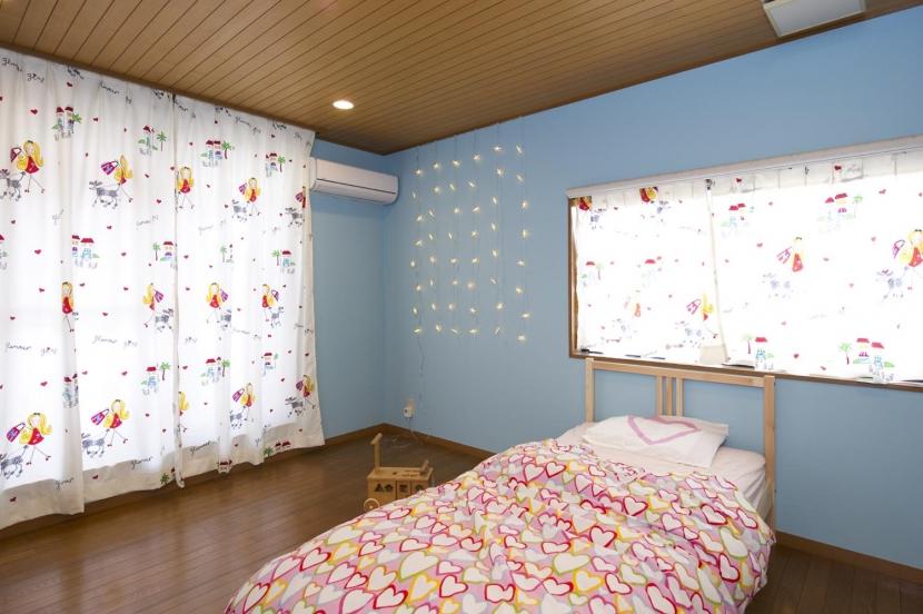 T邸・オリジナルキッチンと家具で光と風が遊ぶ憧れのリビングの写真 子供部屋