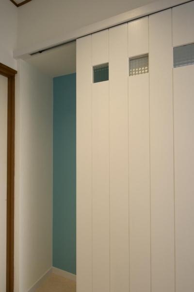 子供部屋ドア (T邸・オリジナルキッチンと家具で光と風が遊ぶ憧れのリビング)