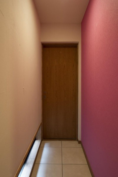子供部屋ドア2 (T邸・オリジナルキッチンと家具で光と風が遊ぶ憧れのリビング)
