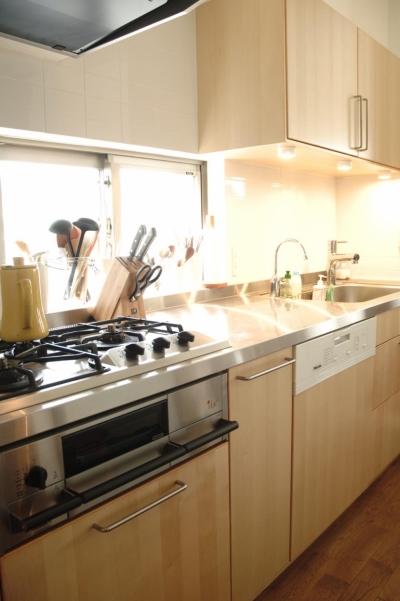 キッチン (S邸・こだわりをたっぷり詰め込んだ、無垢材の温もり溢れる空間)