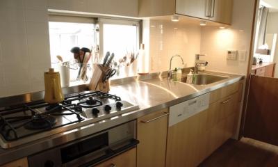 S邸・こだわりをたっぷり詰め込んだ、無垢材の温もり溢れる空間 (キッチン3)
